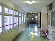 教室前廊下
